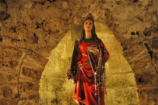 Statue to St. Lucy in the Cathedral crypt. Photo Vivian Grisogono